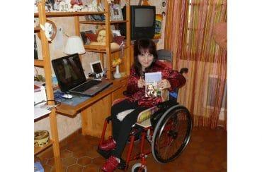 Fanny présente son livre